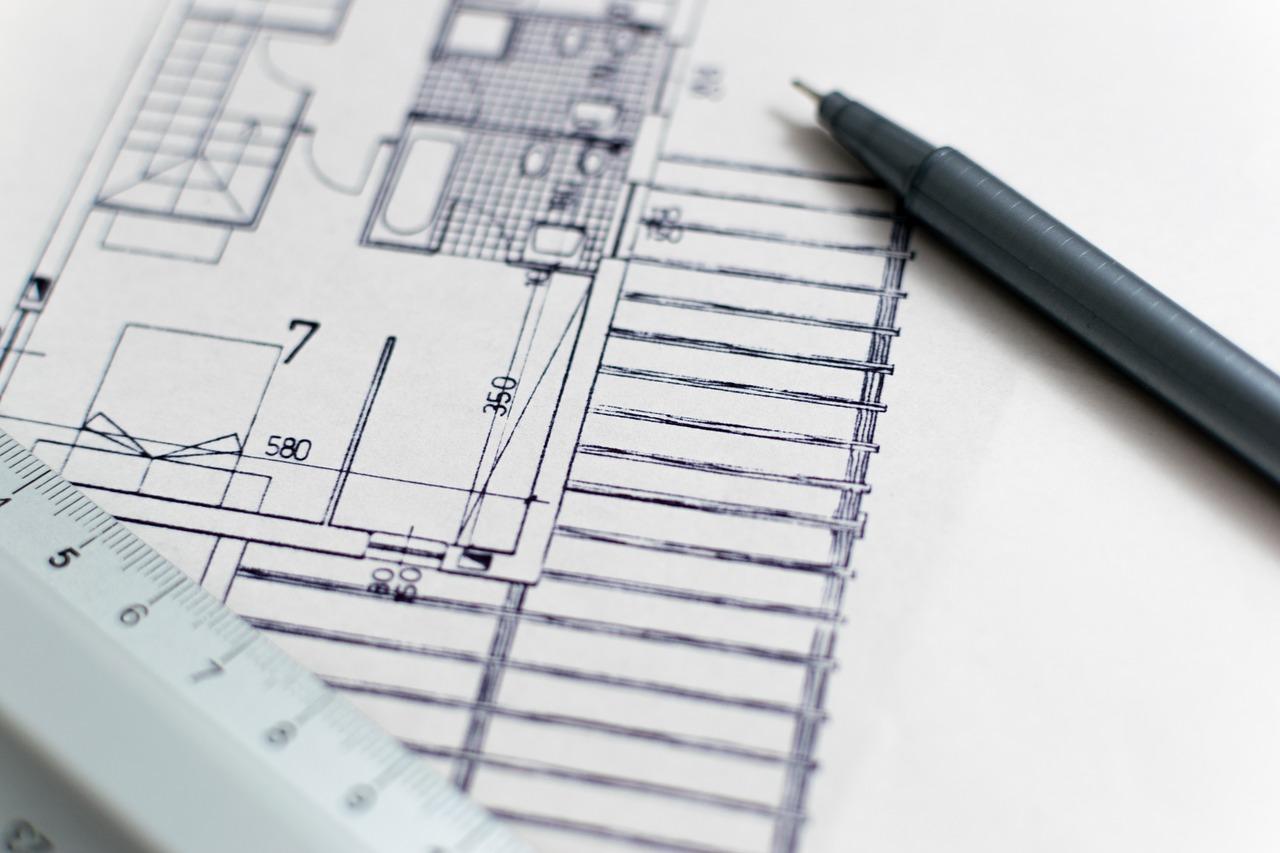 Quelle est la différence entre constructeur et architecte ?